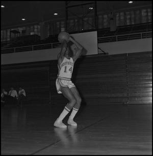 Primary view of object titled '[North Texas Basketball Player Leroy Winfield, 2]'.