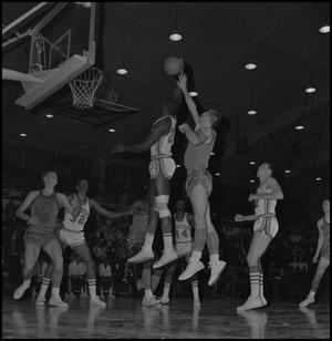 Primary view of object titled '[North Texas Basketball Game Against Scots]'.