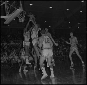 Primary view of object titled '[North Texas vs Okla City Basketball Game, 2]'.