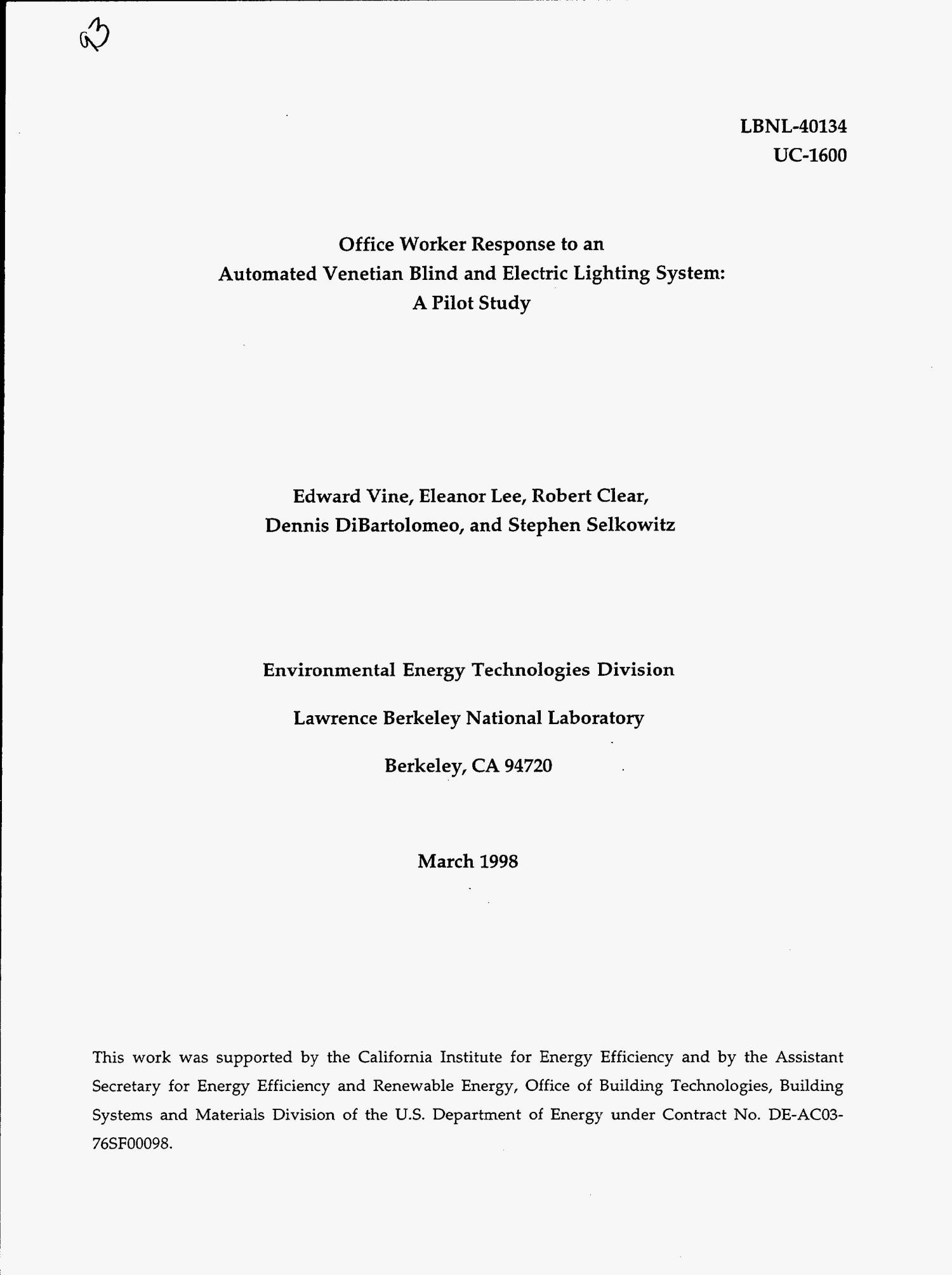 Office worker response to an automated venetian blind and electric lighting system: A pilot study                                                                                                      [Sequence #]: 3 of 32