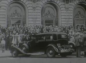 """Warner Bros. stars arrive for opening of """"Gold Diggers of 1933"""""""