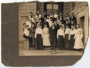 Primary view of [Freshman 1 Class, 1905, North Texas State Normal College]