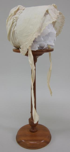 Primary view of object titled 'Bonnet'.