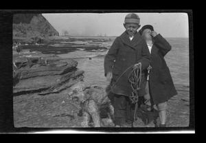 Primary view of object titled '[Byrd III, John, and Brownie near Point Fermin in San Pedro, California]'.
