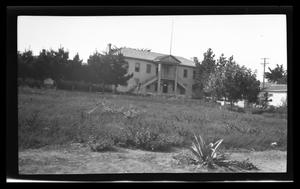 Primary view of object titled '[Photo of a house]'.