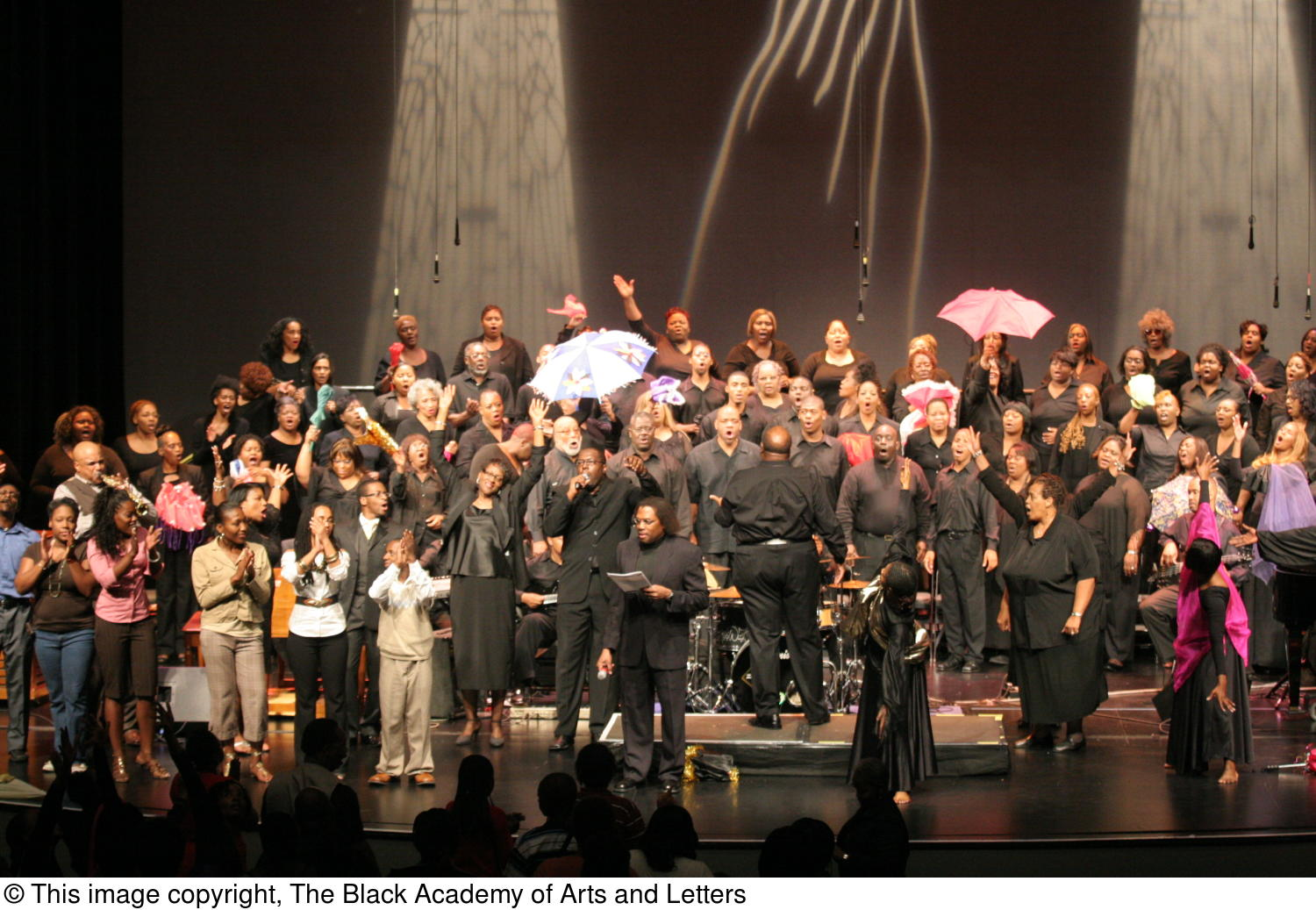 [Curtis King on Stage with Chorus and Performers]                                                                                                      [Sequence #]: 1 of 1