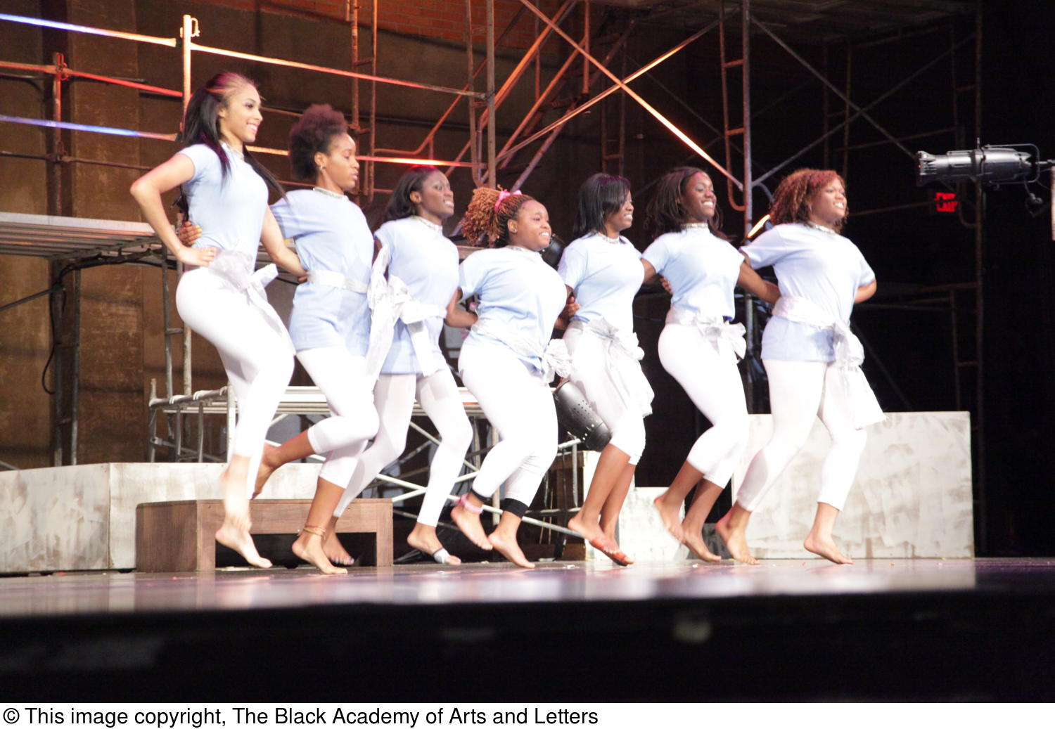 [Actresses perform in Aretha: The Musical]                                                                                                      [Sequence #]: 1 of 1