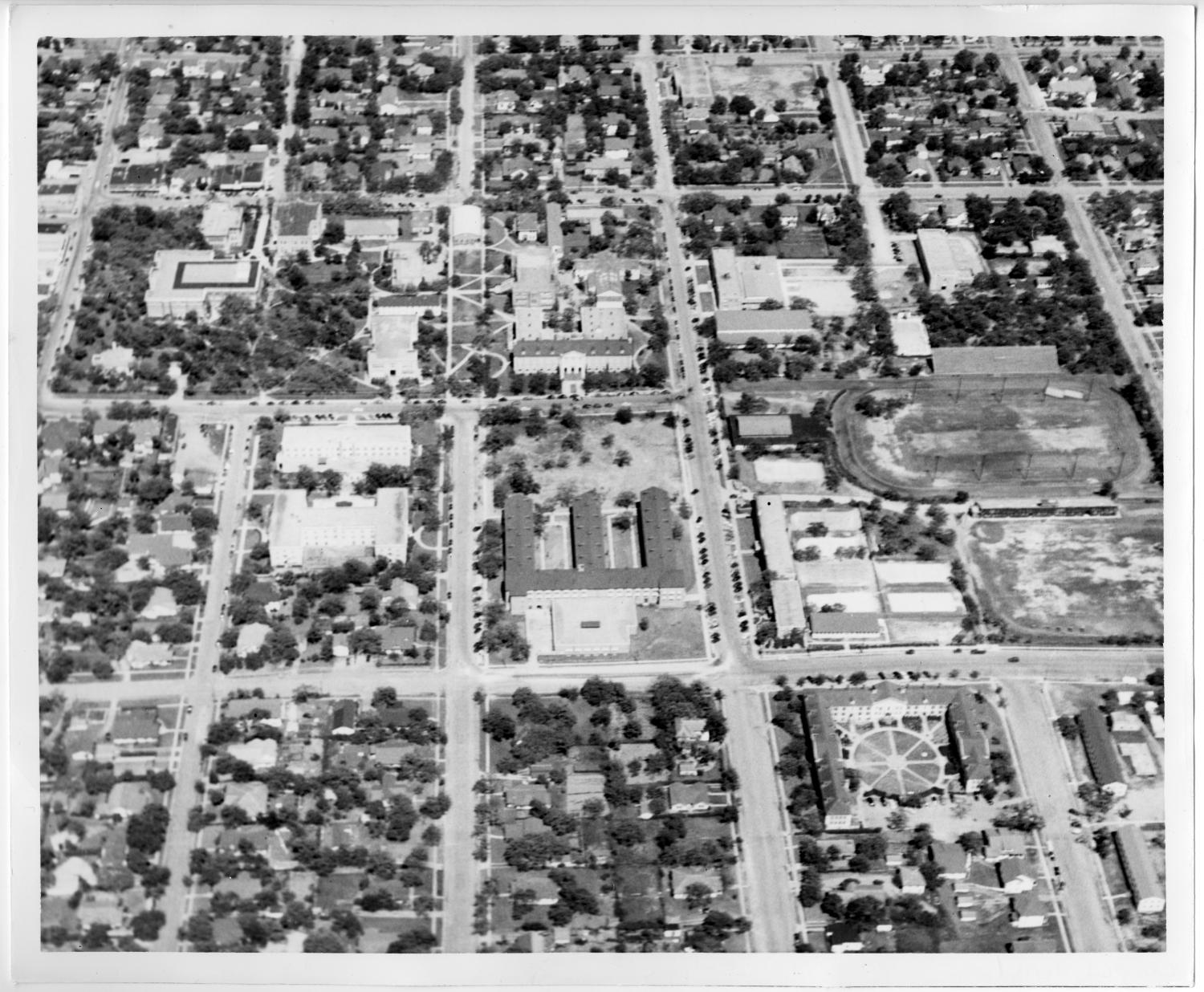 [Aerial Photograph of the North Texas State Teachers College Campus, 1940s]                                                                                                      [Sequence #]: 1 of 2