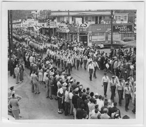 Primary view of object titled '[Photo of North Texas Homecoming Parade, 1953]'.