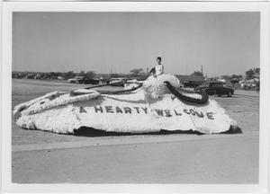 Primary view of object titled '[Photo of North Texas Homecoming Parade, 1955]'.