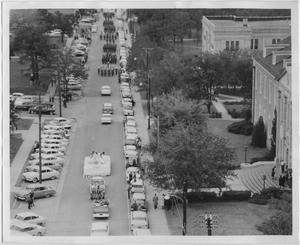 Primary view of object titled '[Photo of North Texas Homecoming Parade, 1956]'.