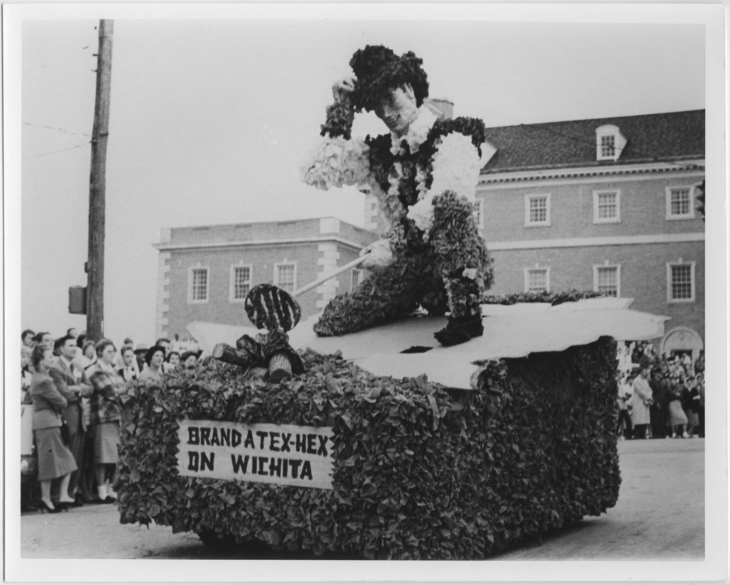 [Photo of North Texas Homecoming Parade, 1959]                                                                                                      [Sequence #]: 1 of 2