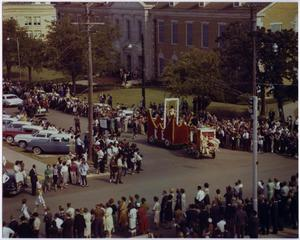 Primary view of object titled '[Photo of North Texas Homecoming Parade, 1962]'.