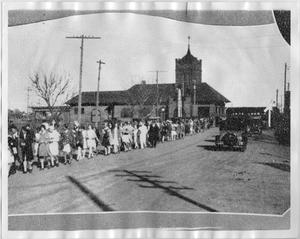 Primary view of object titled '[North Texas Football Team at Denton Depot, 1929]'.