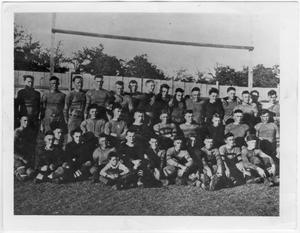 Primary view of object titled '[North Texas Football Team, 1920]'.