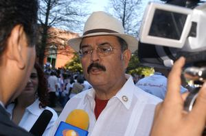 Primary view of object titled '[Hector Flores speaking to media]'.