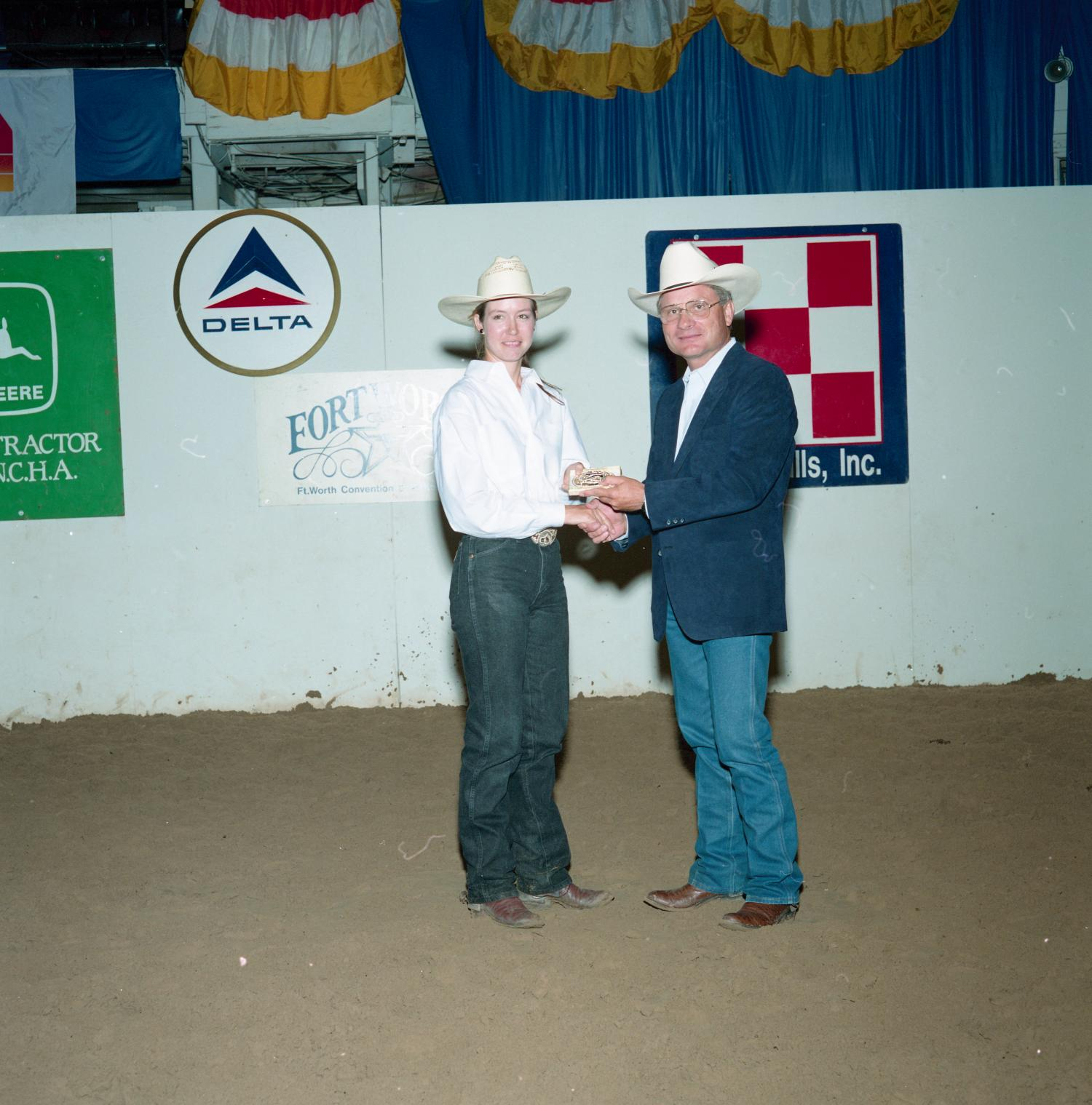 Cutting Horse Competition: Image 1991_D-140_06                                                                                                      [Sequence #]: 1 of 1